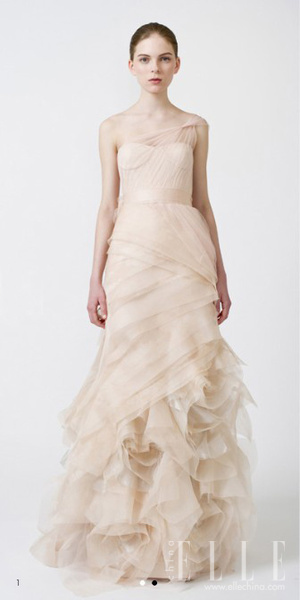 Verawang-dress_new_gallery_b_600_600_elle_watermark.jpg