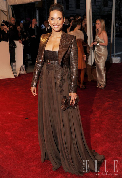 Alicia-Keys_new_gallery_b_600_600_elle_watermark.jpg