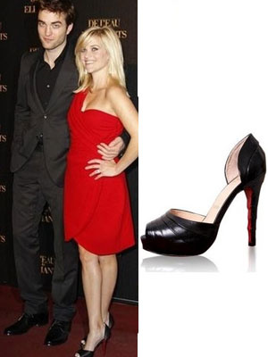 Reese-Witherspoon-Christian-Louboutin-Armadillo_final_type_b_300_400.jpg