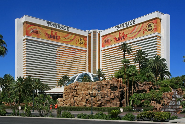The_Mirage_Hotel,_Las_Vegas,_2012.jpg